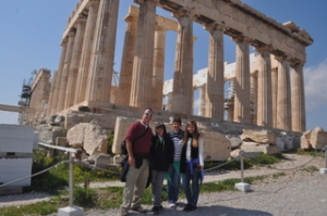 The family in front of the Pathenon