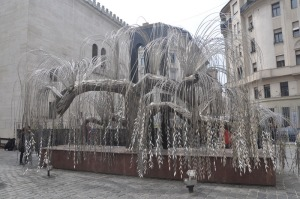 The Weeping Willow sculpture in the garden of the synagogue